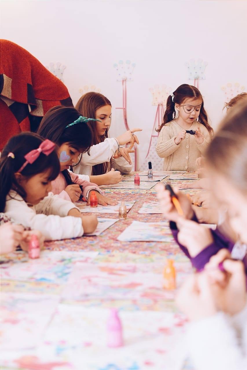 pintando y jugando